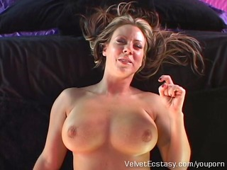hawt mother i with big natural tits cums hard in