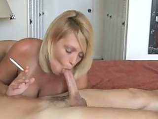 hawt blonde mother i smoke and gives hot blowjob