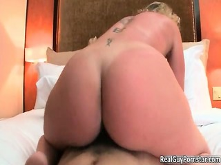 naughty golden-haired slut from canhescore goes