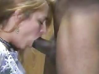 hot blond wife interracial cuckold oral-job