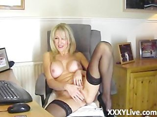 hot blonde d like to fuck decides to masturbate