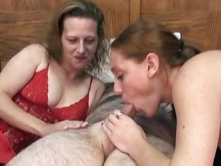 swinging mariah in a threesome with a small d