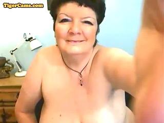 bbw granny getting naughty on webcam