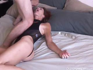 mature dilettante loves it anal