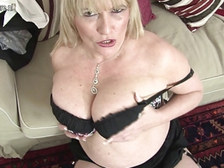 hot british mother shows her great tits and