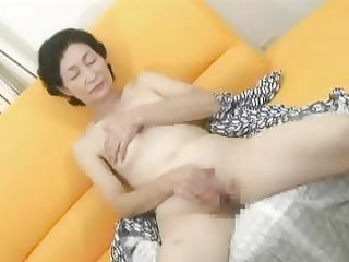 japanese matures masturbating