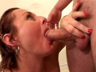mature slut banged by young dude