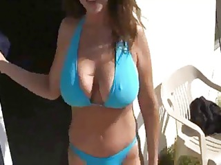 very hawt busty mature