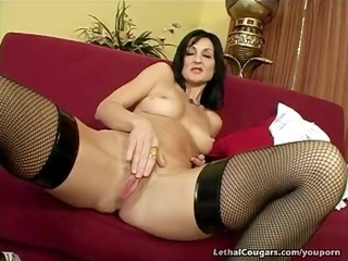 cougar pussy pounded and facial