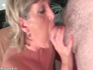 nasty older slut goes crazy sucking