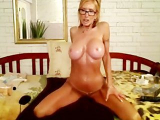 sexy blonde mother i plays with her dildo and ass