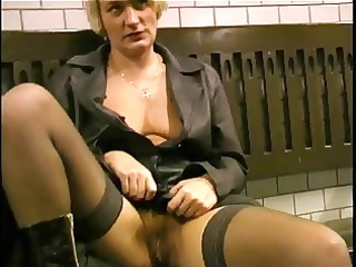 flashing and sucking on the subway