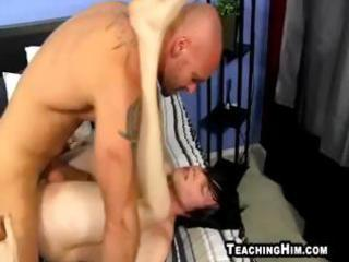 pumped up mature stud fucking a twinks